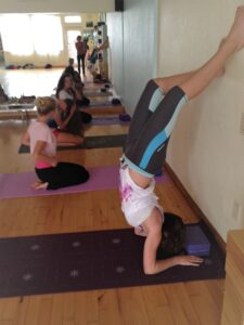 Forearm Stand with block